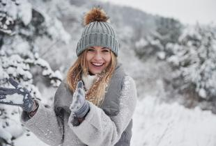 b-thumbnail of Style and Warmth Go Hand in Hand for Women's Winter Apparel
